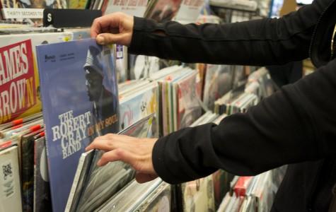 Are Vinyl Records Back?